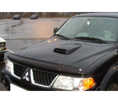 Дефлектор капота (мухобойка) Mitsubishi Pajero Sport 1998-2008 темный с логотипом EGR (026071L)