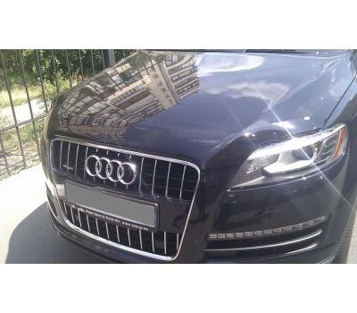 Дефлектор капота (мухобойка) Audi Q7 2005- темный EGR (20101)